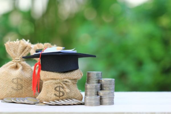 Student Loan Debt and Estate Planning in Illinois